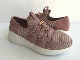 UGG KINNEY METALLIC PINK DAWN KNIT SNEAKER SHOE US 9 / EU 40 / UK 7 - $64.52