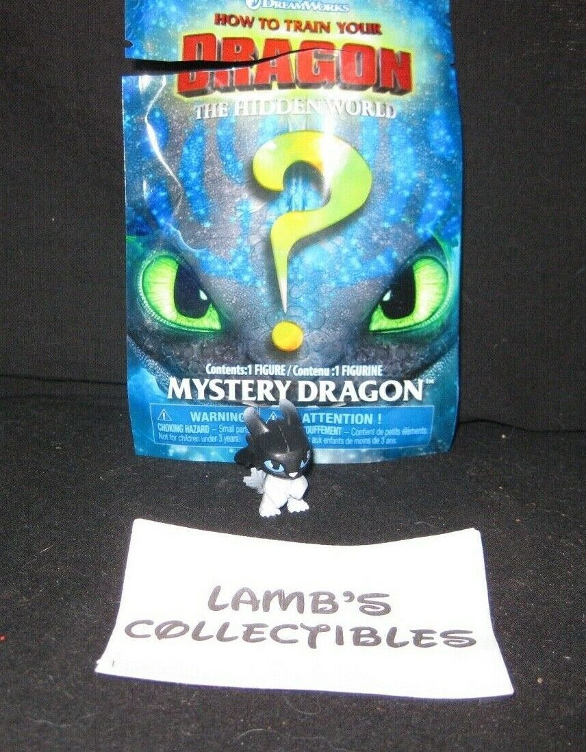Primary image for How to train your dragon 3 Nightlight series 2 Black White Blue Eyes Mystery bag