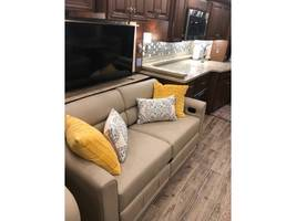 2018 NEWMAR ESSEX For Sale In Amarillo, TX 79118  image 3