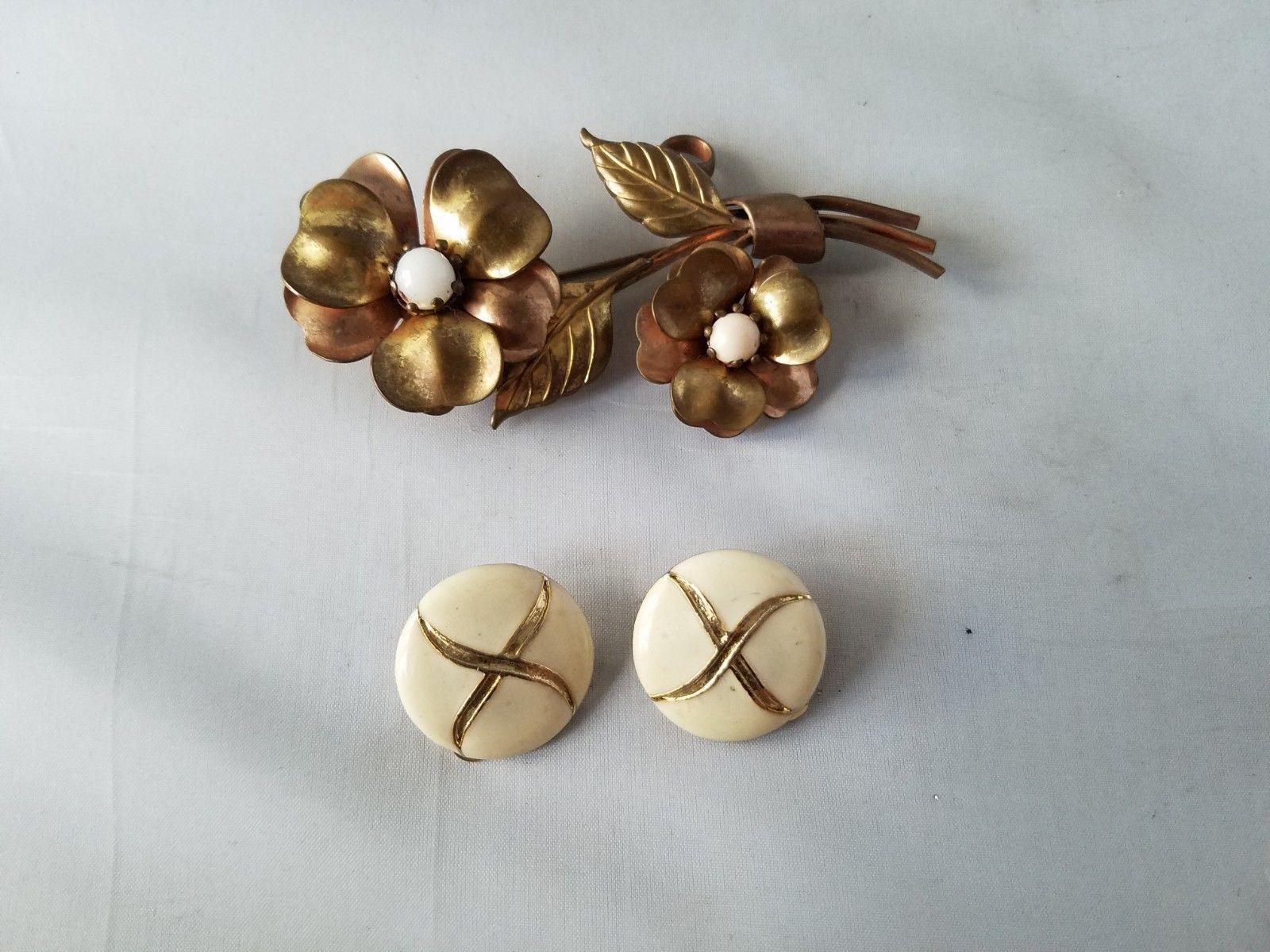 Vintage Women's Brooch Copper Flowers & Matching Clip On Earrings Enamel Retro