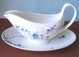 Wedgwood Harmony Sauce Gravy Boat & Stand Blue/White Made in England New - $68.90