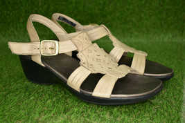 Clarks Bendables Women's Ivory Leather Ankle Strap Open Toe Sandals Size 7.5 - $22.97
