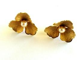 Vintage Gold Tone Dimensional Flower Genuine Pearl Clip On Earrings - $10.00