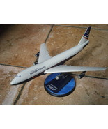 MODELLINO DA BANCONE DEL BOING 747 BRITISH AIRWAYS SU BASE IN LEGNO Orig... - $40.13