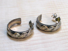 Vintage 925 Sterling Silver pierced hoop Earrings - $7.91