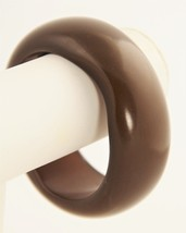 R J GRAZIANO VINTAGE BROWN RESIN BLOB FREE FORM PLASTIC BANGLE BRACELET - $20.00