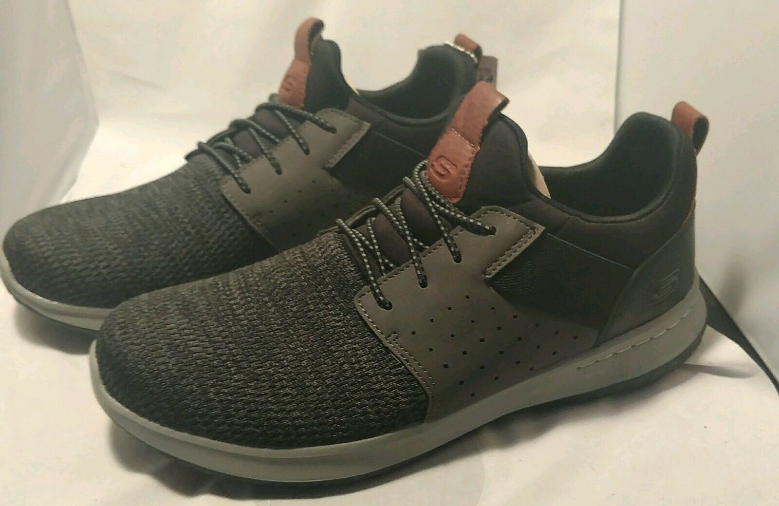 Primary image for Men's Skechers CAMBEN 65474BKGY Black/Grey Shoes trainers size 9.5 Mens athletic