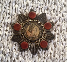 Queen Elizabeth Broach, Lovely piece. Vintage Look - £13.71 GBP