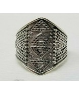 Triangle Arrow Pattern Costume Ring Silver Color Size 7 Shield Medieval  - $6.92