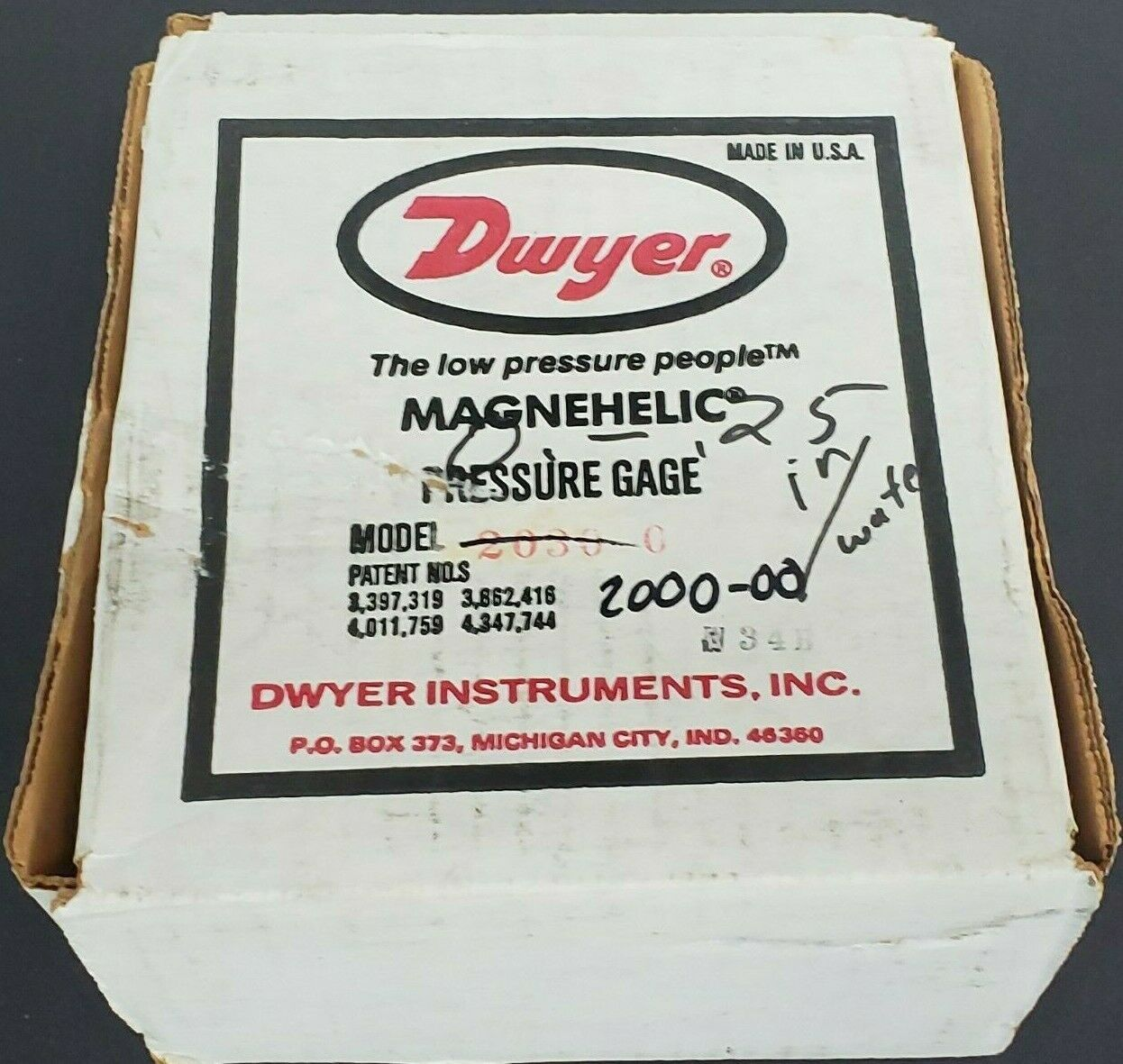 DWYER MAGNEHELIC 2000-00 PRESSURE GAUGE, 15PSIG, 0-0.25 INCHES OF WATER, 200000