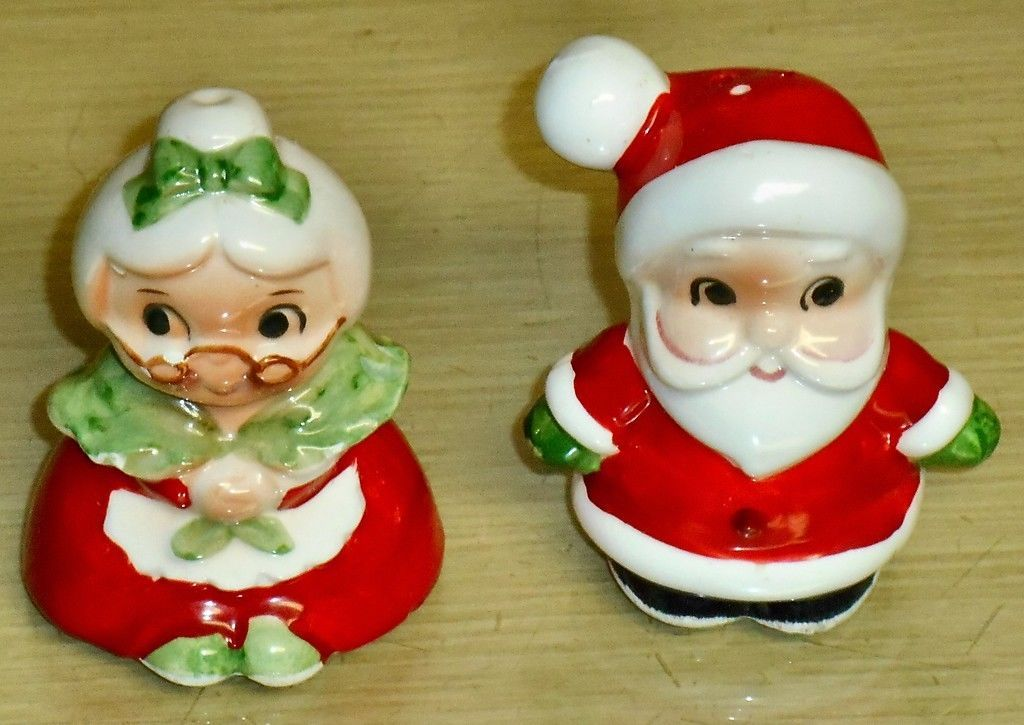 Primary image for Vintage Japan -Mr & Mrs Claus 3in ceramic S&P shakers
