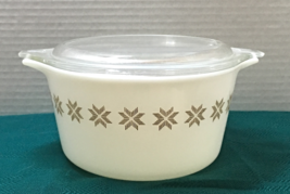 Vintage Pyrex Town & Country Small Casserole Dish With Lid 1 qt. #473 - $9.50
