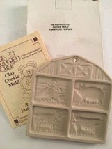 Vintage 1994 Pampered Chef Stoneware Cookie Mold Farmyard Friends Pig Co... - $23.21