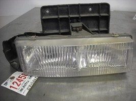 Passenger Right Headlight Composite Fits 95-05 ASTRO 38231 - $46.99