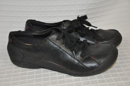 Women's CLARKS Artisan Black Textured Leather 9.5 Lace Up Wide Toe FELICIA - $29.65
