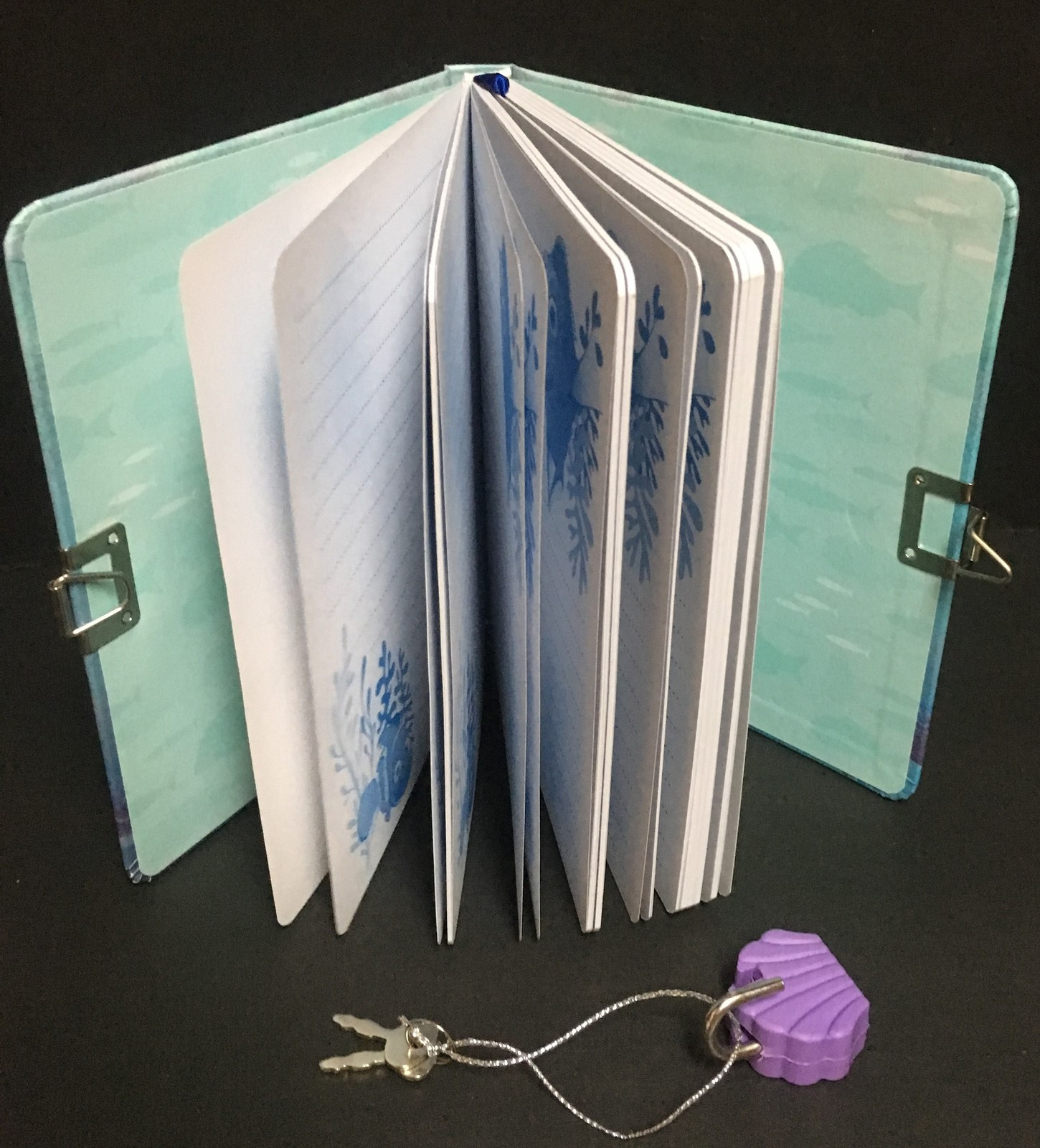 Finding Dory An Ocean of Adventure Lock & Key Diary