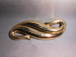 VTG Gold Toned MONET Signed Large Wave Swirl Abstract Pin Brooch - $19.80