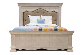 Queen Size Tufted Penelope Bed - $1,632.51