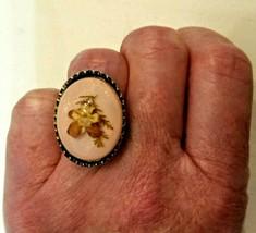 PANSY FLORAL RING Pink Cabochon Adjustable Embossed Band VTG Statement J... - $23.76