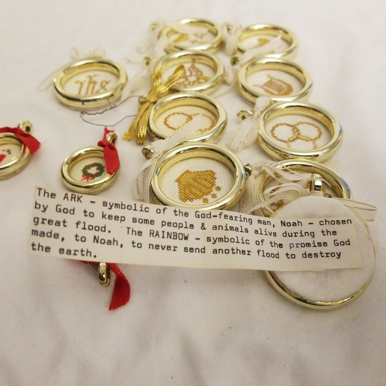 Primary image for Plastic gold ring fob pendants Christmas Ornament embroidered and messages