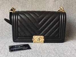 AUTHENTIC NEW CHANEL BLACK CHEVRON QUILTED CAVIAR MEDIUM BOY FLAP BAG GHW image 1