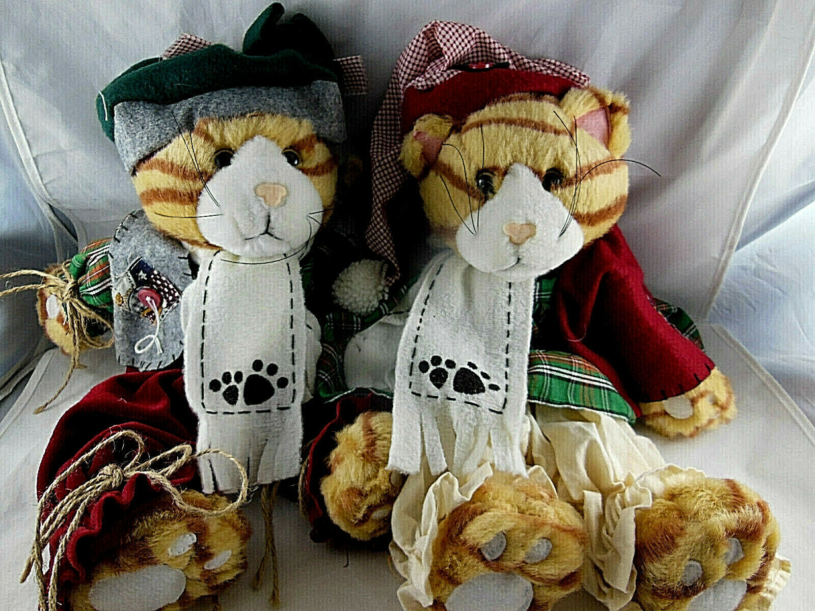 """Tender Hearted Pair Of Yellow Tabby Cats Boy & Girl  15"""" w music sound Christmas"""