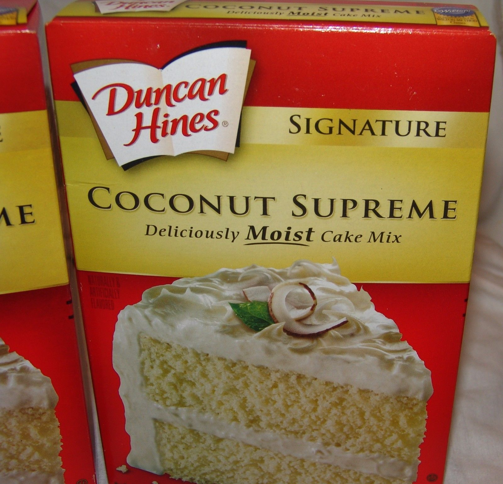Duncan Hines Signature Coconut Supreme Cake Mix 2 Bo New