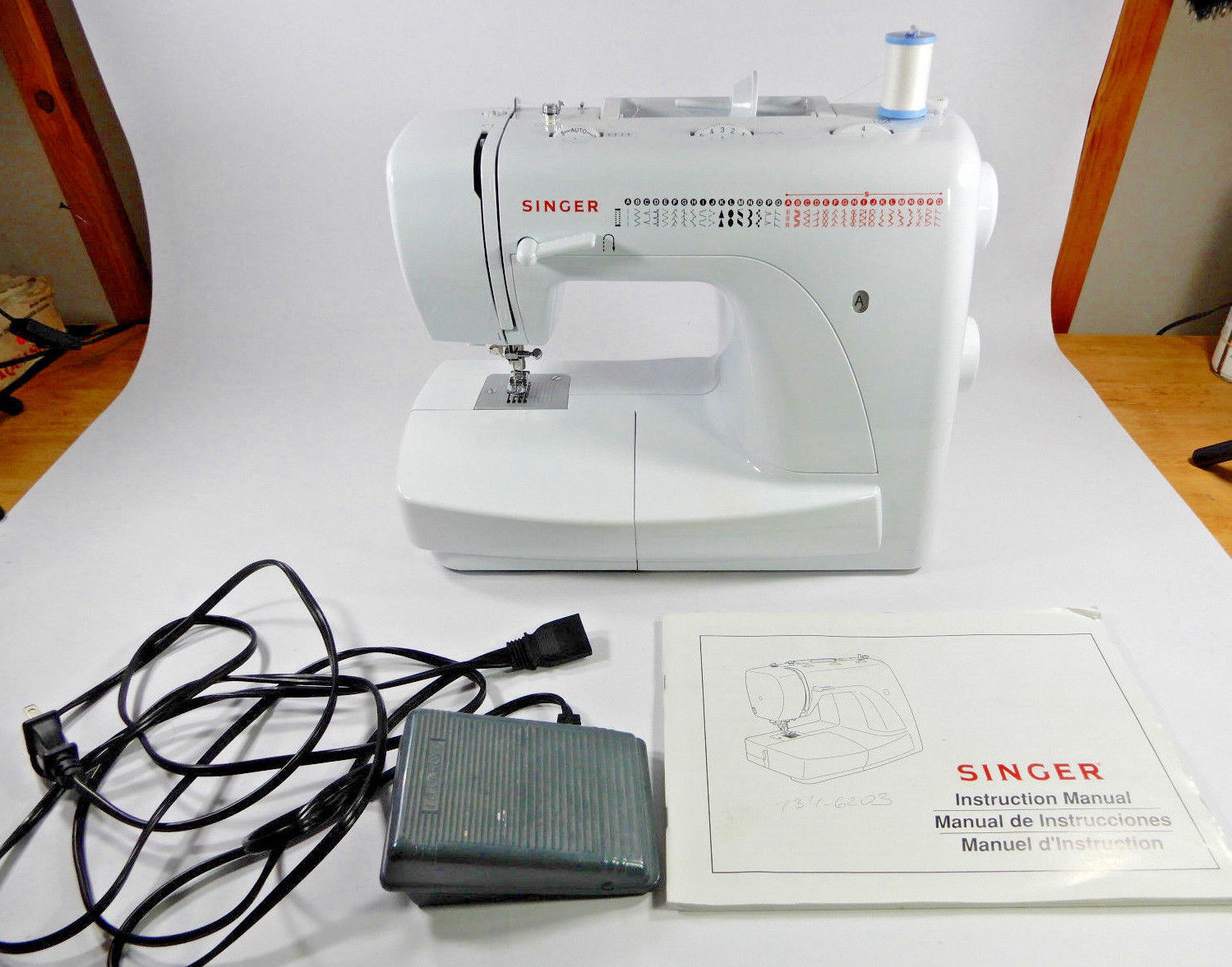 singer 2932 sewing machine 35 built in and 17 similar items rh bonanza com Antique Singer Sewing Machine Singer 160th Anniversary Machine