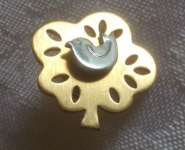 Partridge in a Pear Tree 12 Days of Christmas Avon Tac Pin Tie Tack - $17.00