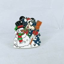 DLR Cast Lanyard Series 4 Holidays Collection Goofy Disney Pin 44564 - $10.88