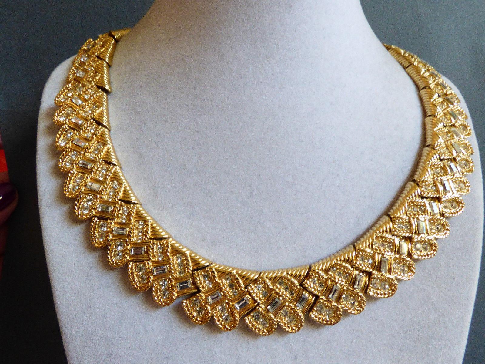 Nina Ricci Gold Plate Link Necklace