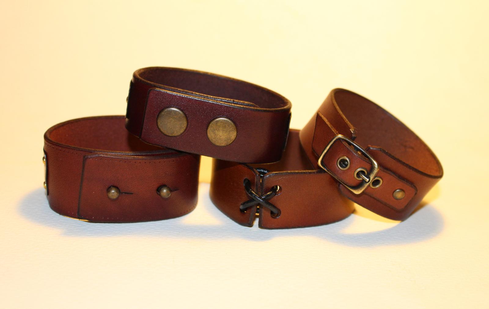 Only God can judge me - Mens leather cuff bracelet, hebrew inscription image 3