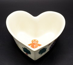Hartstone Christmas Traditions * HEART SHAPED BOWL DISH * Gingerbread Me... - $11.87