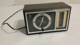 Vintage 1970's General Electric GE Analog Display AM/FM Clock Radio Mode... - $18.23