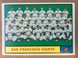 1961 Topps #167 San Francisco Giants Team Baseball Card EX+ WILLIE MAYS RF1 - $4.99