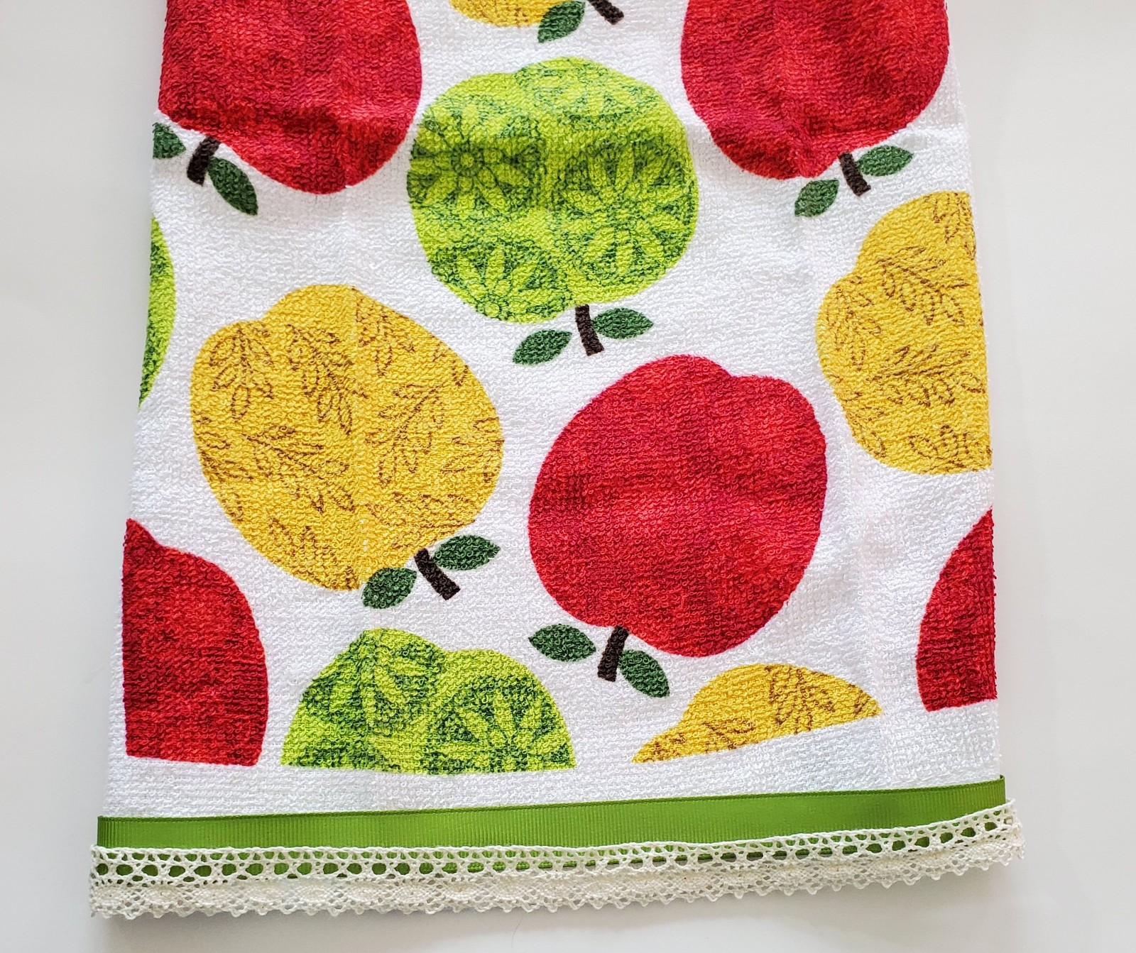 "Primary image for APPLE FINGERTIP TOWEL 14""x12"" Green Red Yellow White Terry Kitchen Hand Towel"