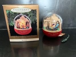 Hallmark Keepsake Ornament ROADRUNNER & WILE E. COYOTE Looney Tunes Moti... - £11.45 GBP