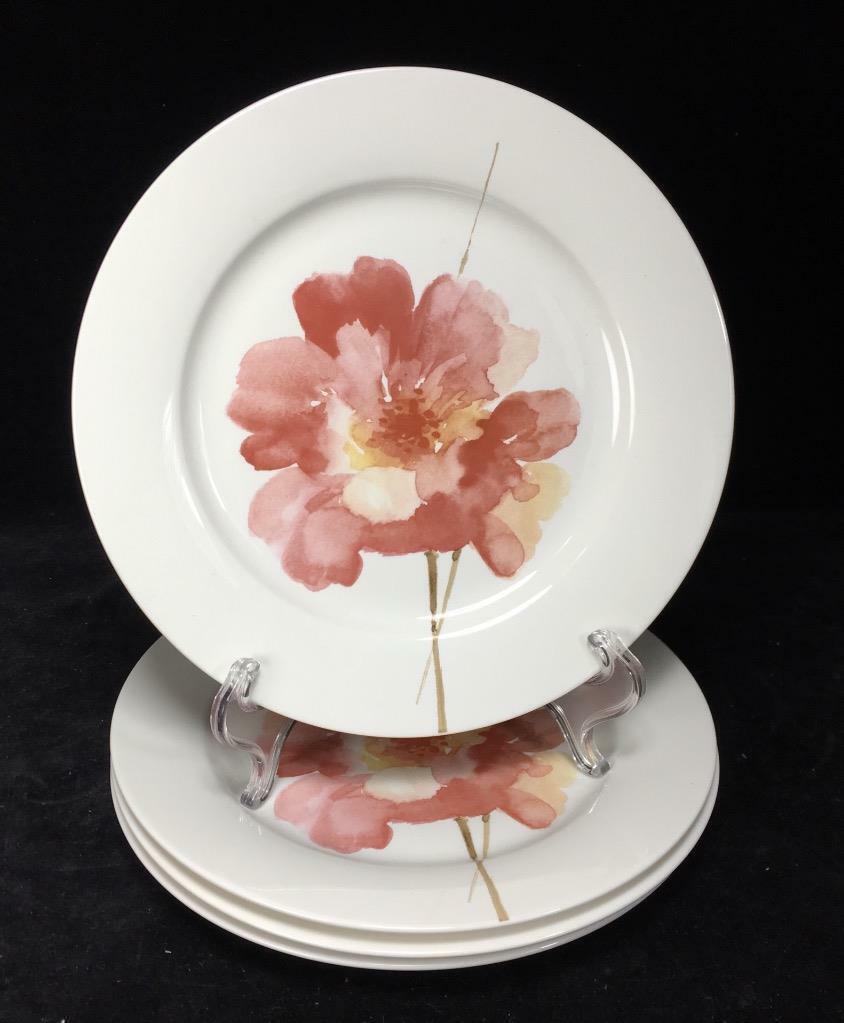 "Oneida Amore // Salad Plates // Set of 4 / Porcelain // 8.5"" // Wild Rose - $16.97"