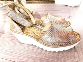 FLY London 40 9 9.5 pearl Perforated Leather Wedge Sandals Yake W Box Preowned image 5