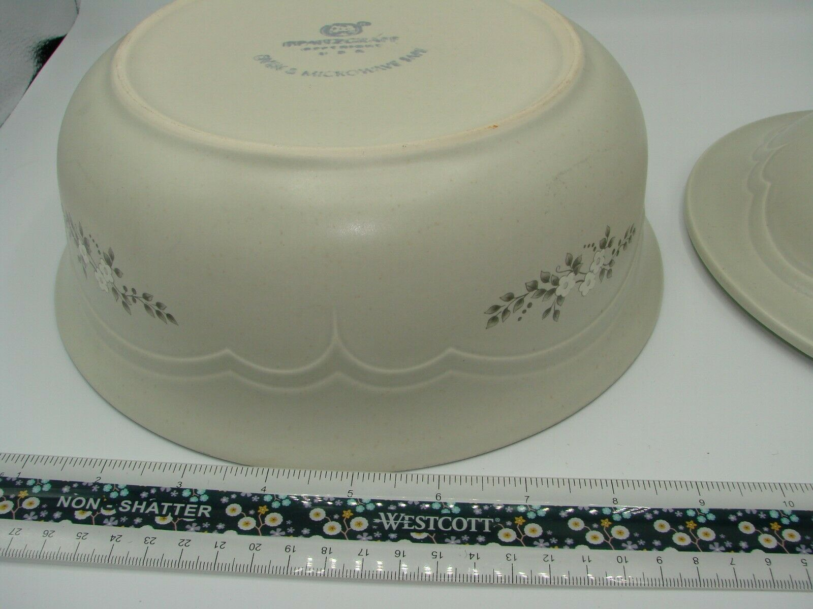Pristine Pfaltzgraff Heirloom Covered Casserole Dish 8.75 2 Quart White Flowers image 8