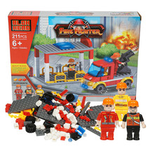 Fire Fighter Interlocking Block Fire Truck Pavilion and Figure Playset 2... - $8.96