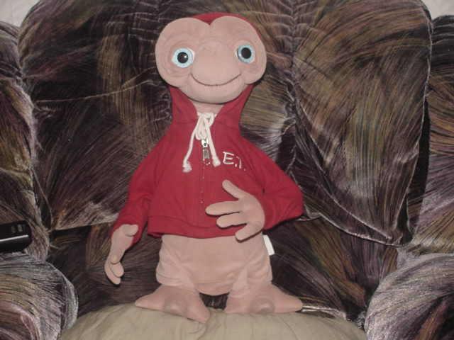 "16"" E. T. Extra Terrestrial Plush Doll Red Hood Zipper Jacket Universal Studios - $74.24"