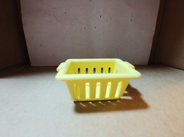 Fisher Price Doll House Loving Family Accessory Yellow Basket Laundry 1994 - $3.00