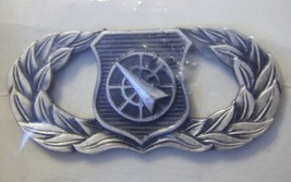 Usaf Basic Aerospace Weapons Controller Qualification Badge Nip Dated 1981 - $3.85