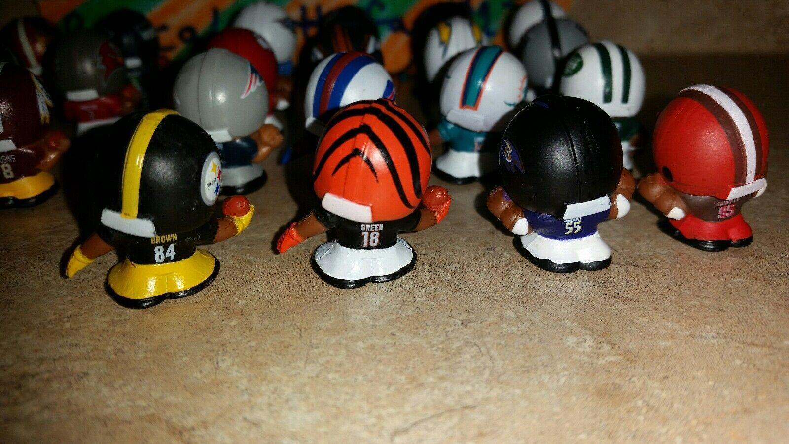 2017 NFL TEENYMATES SERIES 6 FOOTBALL - PICK YOUR FOOTBALL TEAM FIGURE NEW NEW!! image 8
