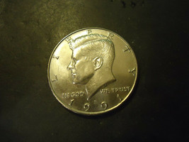 1991-D <<<  KENNEDY HALF DOLLAR COIN - $2.97