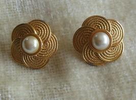 Vintage Signed Napier Flower Gold-Tone/Faux Pearl Screw Back Earrings - $26.82