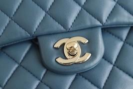 AUTHENTIC CHANEL TURQUOISE BLUE LAMBSKIN MEDIUM DOUBLE FLAP BAG GOLD HW RARE image 6
