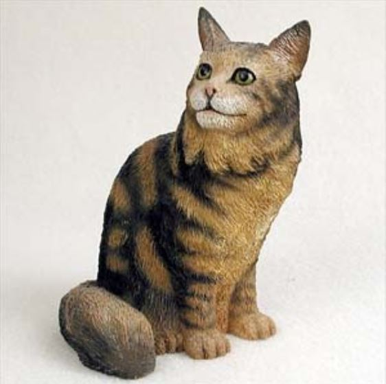 MAINE COON BROWN CAT Figurine Statue Hand Painted Resin Gift
