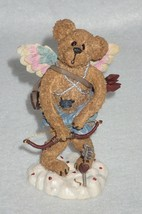 Boyd Bearstone Resin Bears Valentino Slipshot Aim 'Em High Figurine #82006 - $8.56